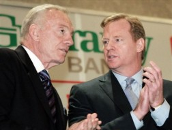 Jerry Jones (L) and Roger Goodell